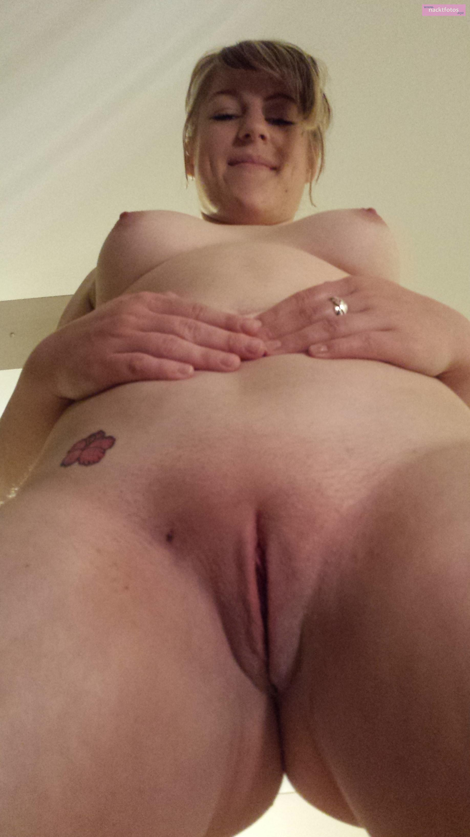 Blonde pussy fuck