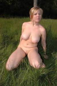 nude in public nackt draussen oeffentlich wette verloren