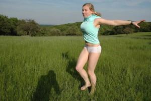 outdoor nude in public im freien nacktfoto von meiner frau - sie mag es sich oeffentlich zu zeigen 12