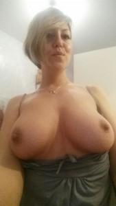 blonde milf ehefrau titten nackt selfie