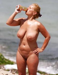 nackt fkk strand bierdose frau
