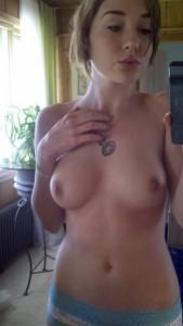 sexy selfie nur im slip oben ohne nacktfoto privat whatsapp