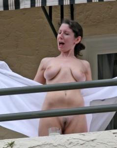 titten zeigen flashing nackt milf
