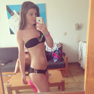 bikini foto selfie