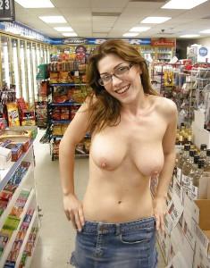 oben ohne im supermarkt
