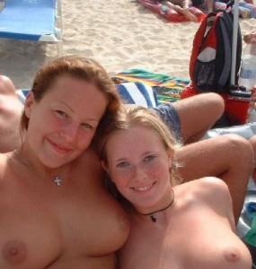 titten selfie am fkk strand