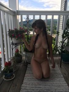 nackt-foto-auf-balkon